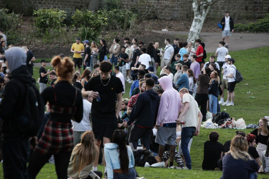 Students chaos as crowds gather at popular park in Nottingham. Crods of people were seen ignoreing the rule of 6 on the first day it was reintroduced as dozens of people were seen gathering, drinking and aledgedly taking drugs. Fights eventually broke out as the drink and warm weaher proved to much with punches and drink being thrown about. Police were not at the scene whilst the photographer was at the park and it is unknown if police attended the incident at the Arboretum in Nottingham city centre. FEE WARNING - ??150 FOR PICTURE SET FOR ONLINE USE, ??75 FOR ALL RERUNS. MINIMUM OF ??250 PER IMAGE FOR PRINT USAGE DEPENDANT ON LOCATION AND SIZE IN PAPER. FOR PRINT USAGE CONTACT COPYRIGHT OWNER. VIDEO ALSO AVAILABLE.