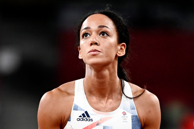 epa09394367 Katarina Johnson-Thompson of Great Britain during the Shot Put of the Heptathlon during the Athletics events of the Tokyo 2020 Olympic Games at the Olympic Stadium in Tokyo, Japan, 04 August 2021. EPA/CHRISTIAN BRUNA